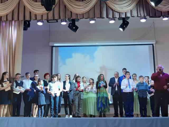 В День космонавтики, в школе состоялось торжественное открытие Года науки и технологии.
