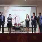 Праздничный концерт,посвященный Дню Матери состоялся в актовом зале школы.