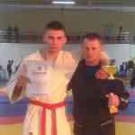 Десятиклассник нашей школы Антон Соломатин  стал чемпионом области по рукопашному бою в весе до 75 кг .